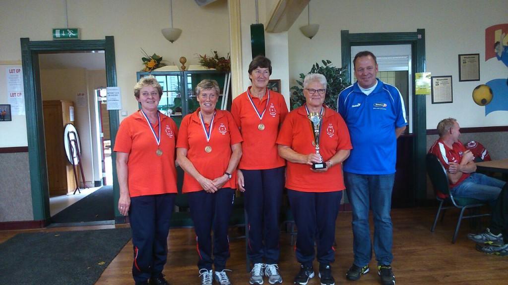 Dames veteranen Lattrop winnaar NKB Straatcup 2014