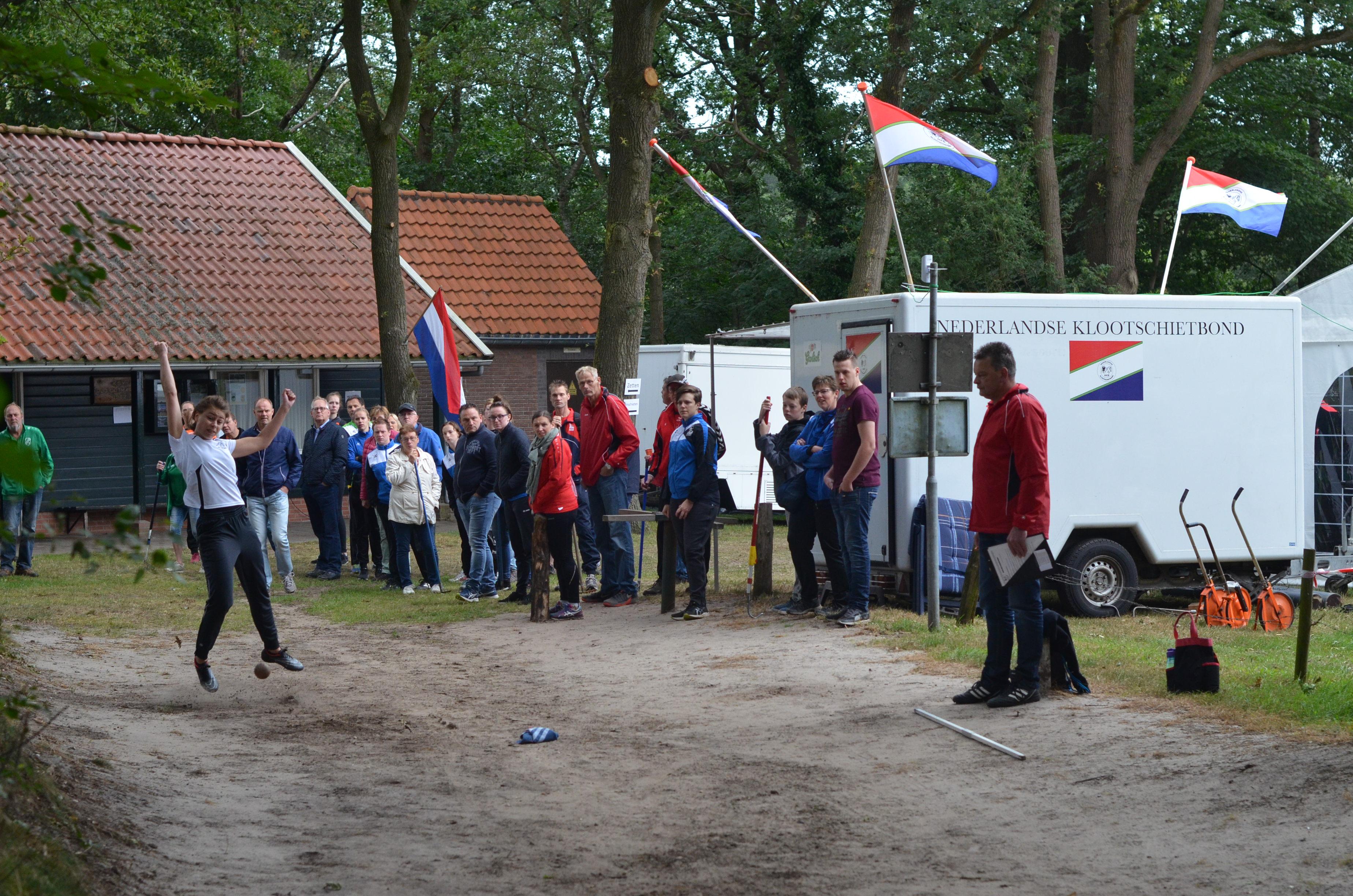 Nederlandse kampioenen geëerd in Oud-Ootmarsum.
